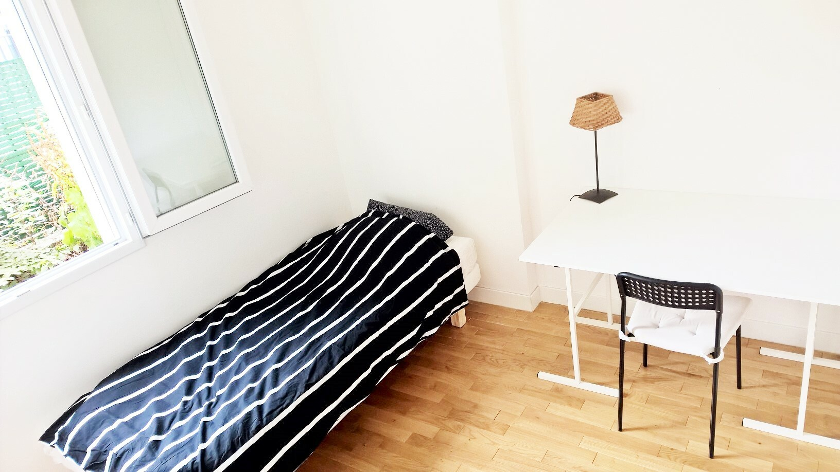 Furnished Room For Rent With One Single Bed