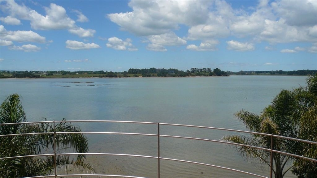 Waterfront Home, Conifer Grove, Auckland