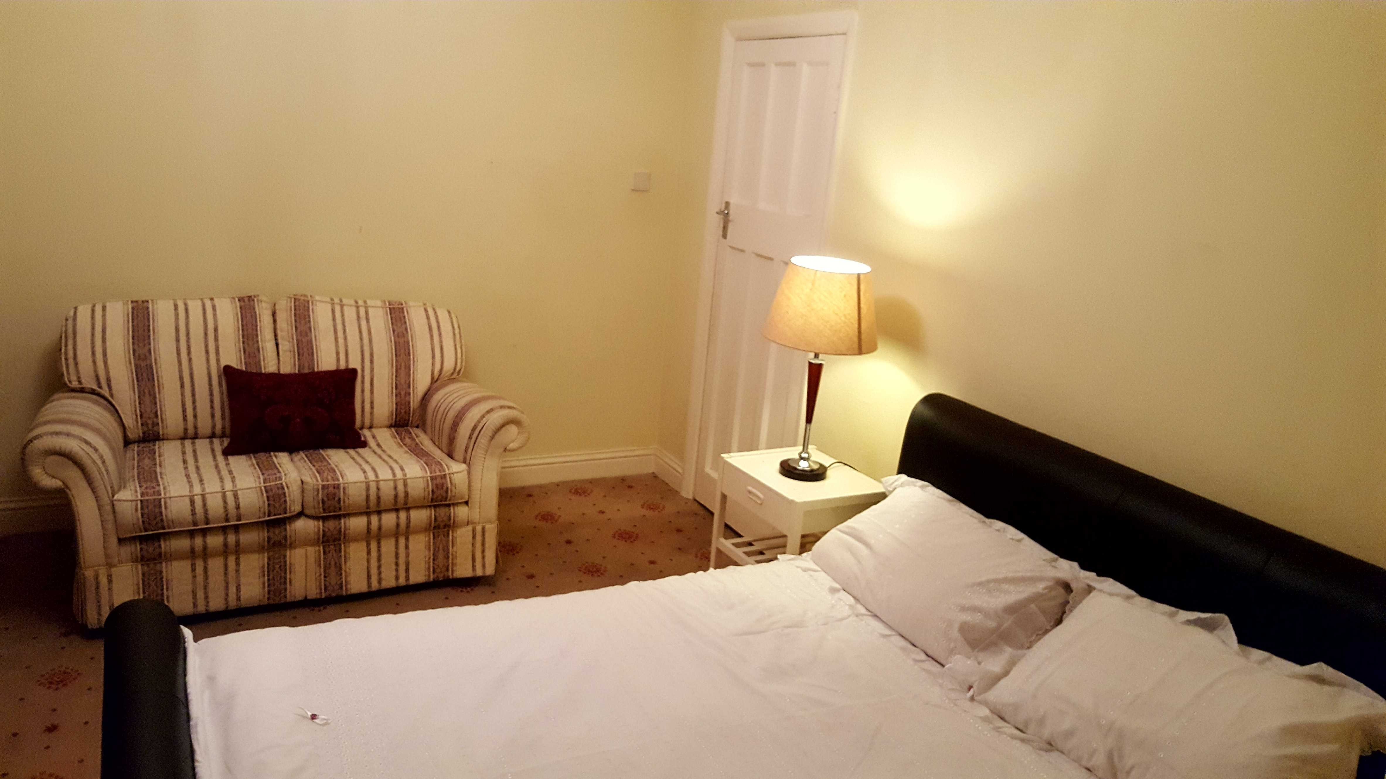 Fully Furnished Double Room in Surbiton