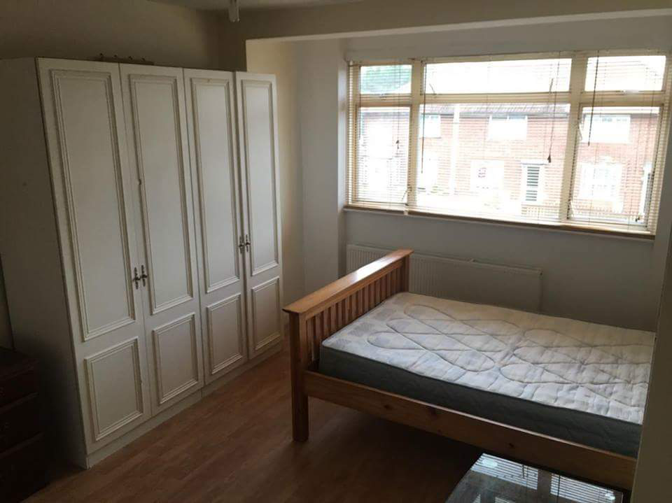 Double room in a clean Family house!