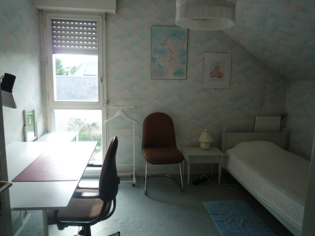 Furnished room, equipped kitchenette