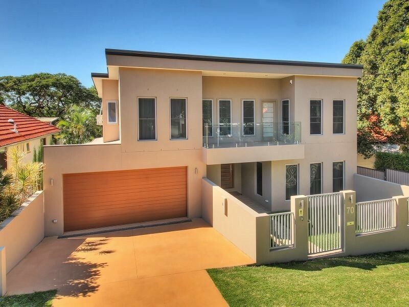 Large modern house for rent