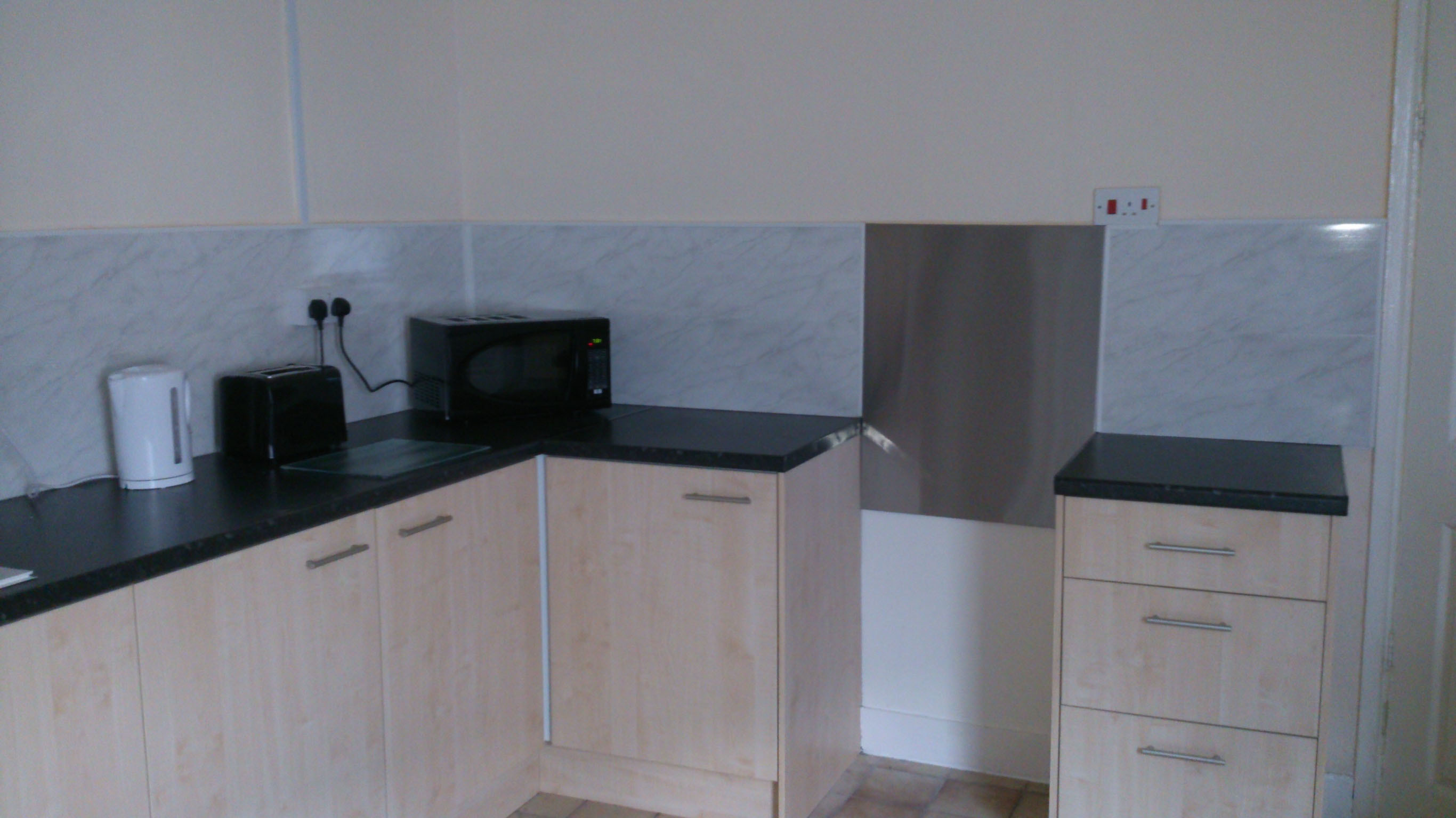 2 rooms to rent in shared house inc bill