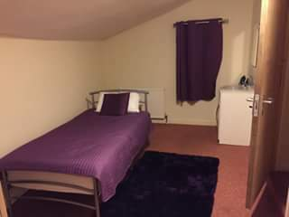 Room to rent in large shared house