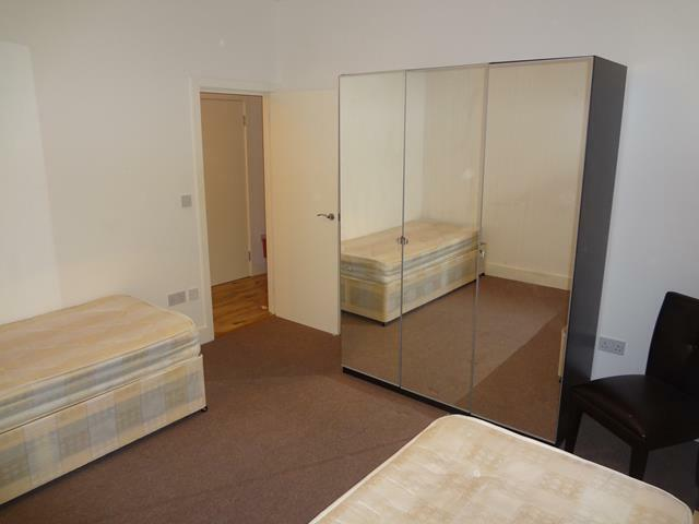 Spacious And Well Lit Double Room