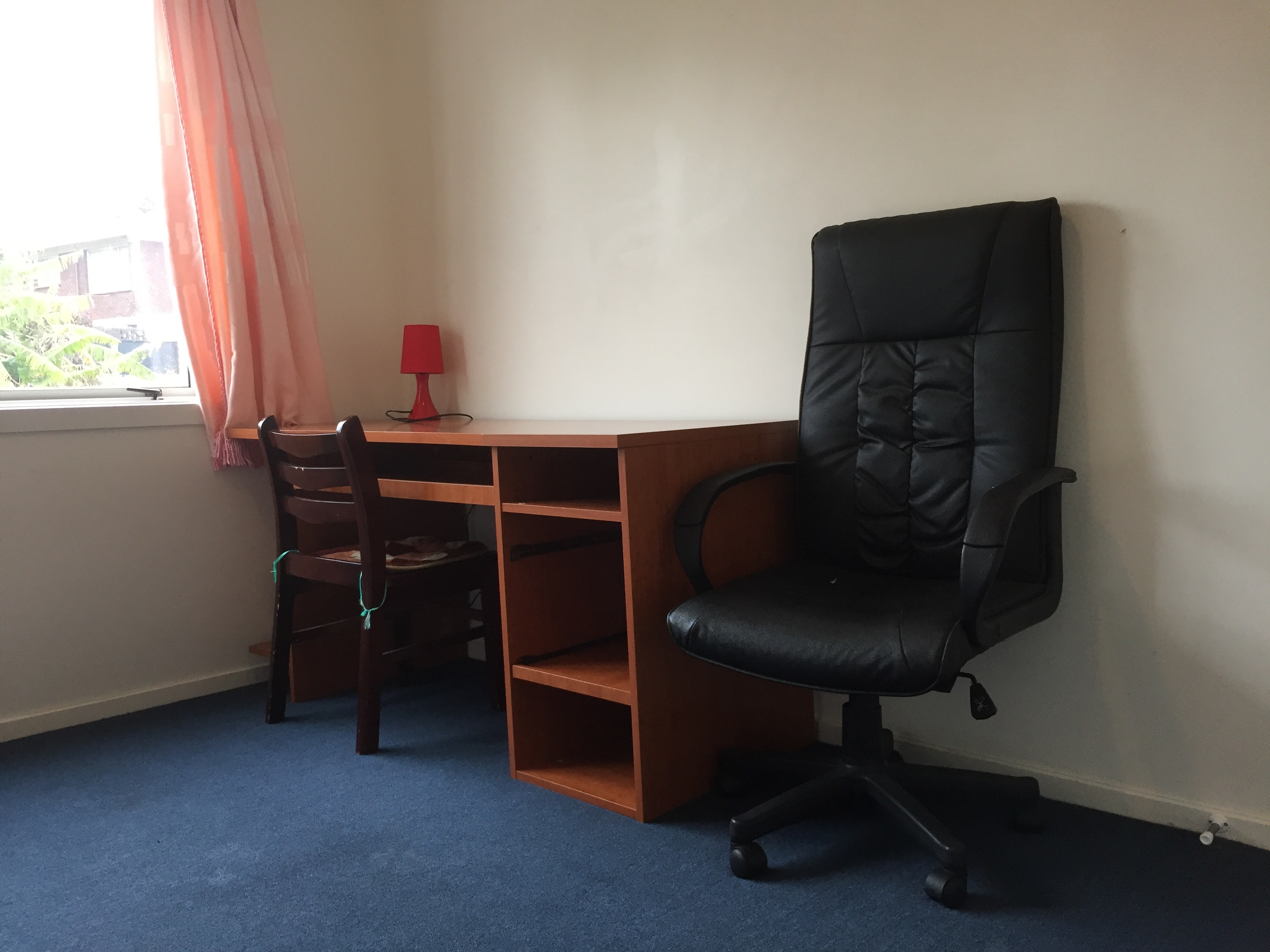 2 Very Clean Rooms Fully Furnished Available