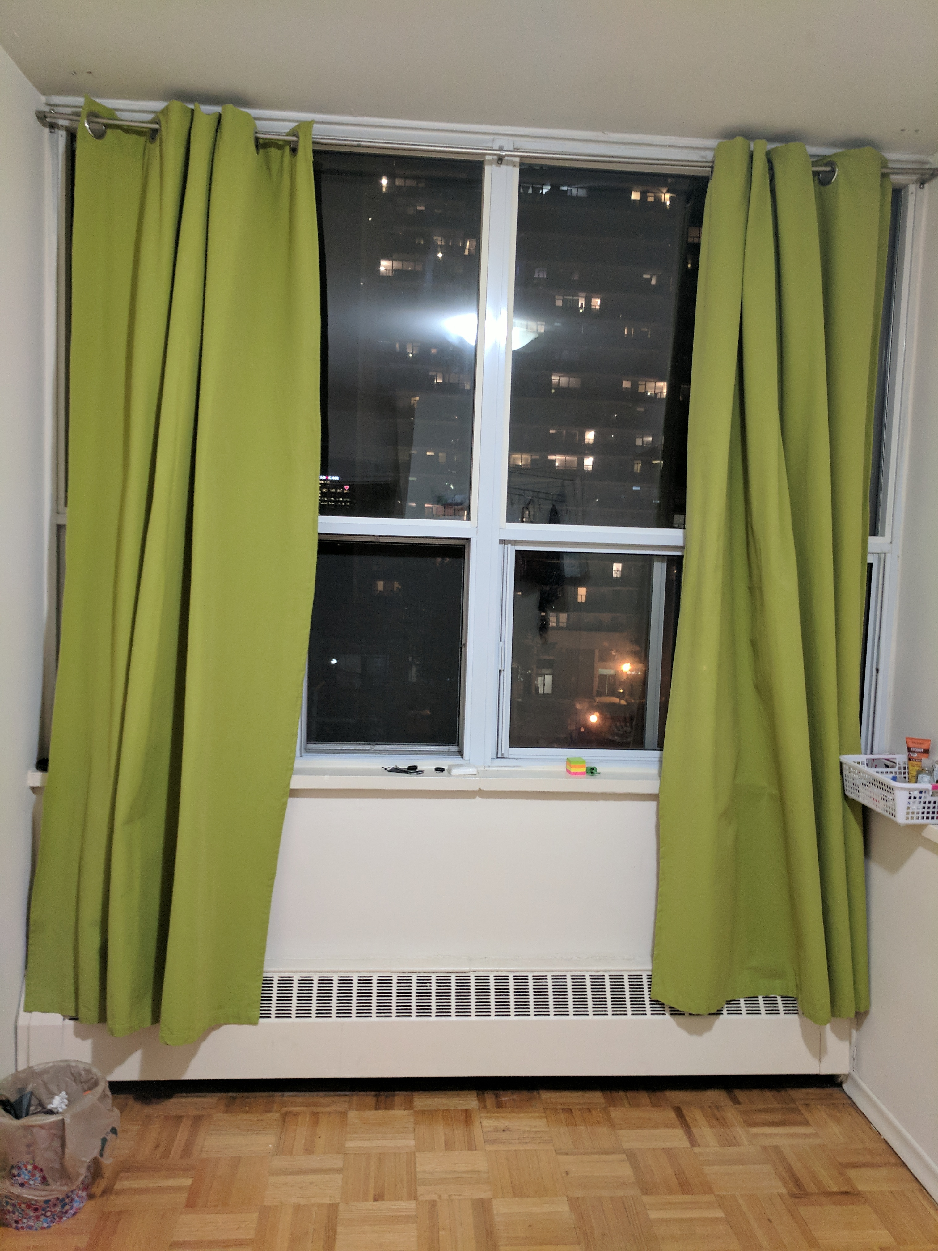 Furnished room for rent(Female)- July 1st- Downtown Toronto