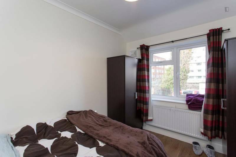 Large double room, 20 minutes from the Center