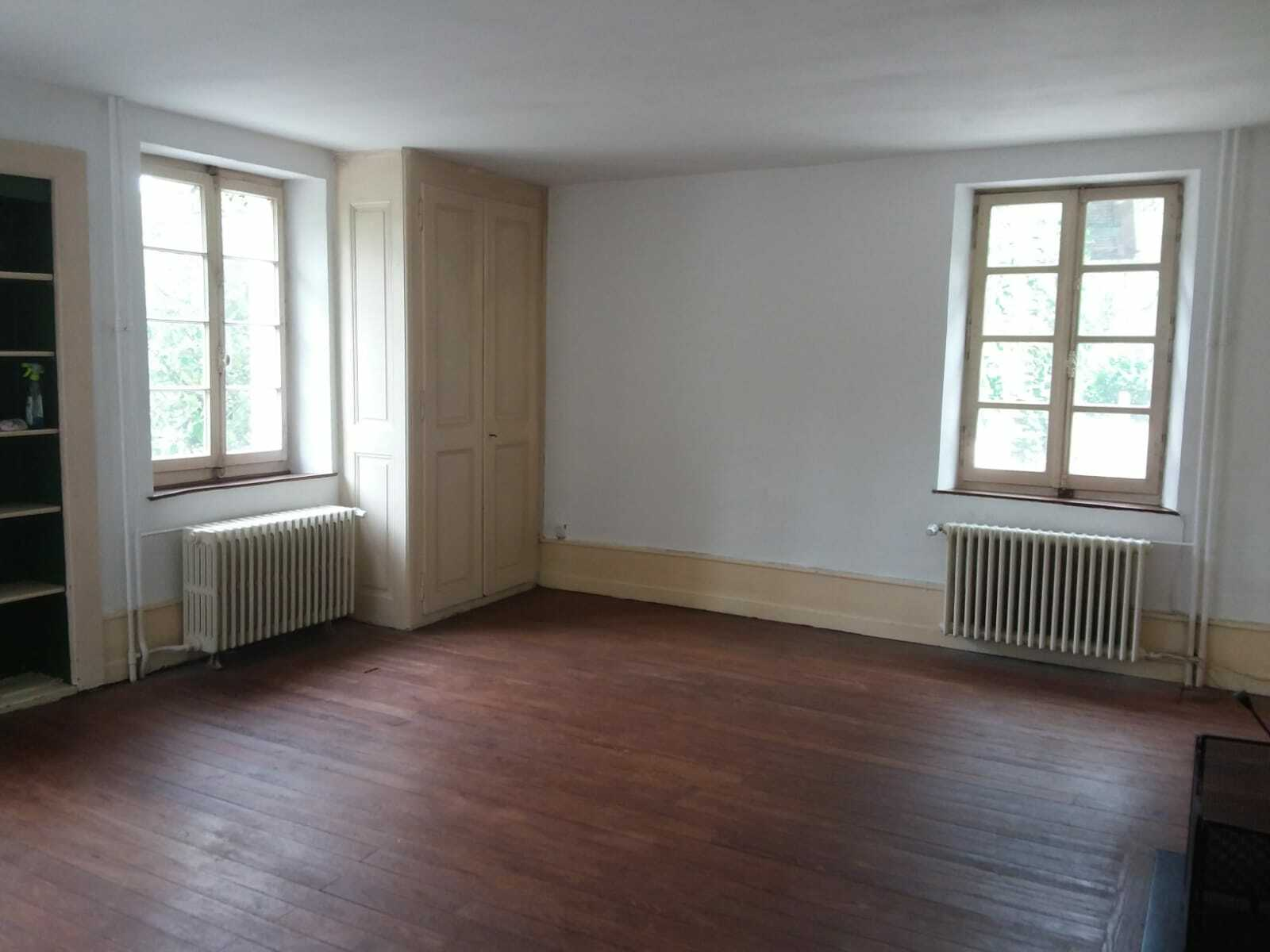 Beautiful room to rent in a house